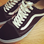 Find dine Vans Oldskool hos Shoe Chapter